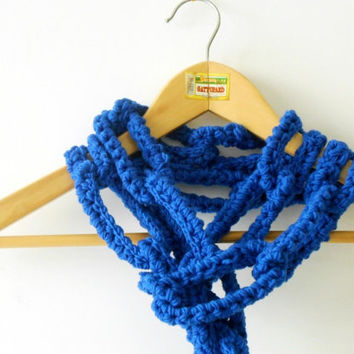 electric blue chain scarf, chunky crochet scarf, wool necklace