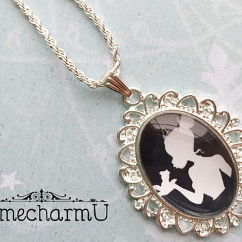 Princess Tiana Glass Cameo Necklace - Princess Tiana  Silhouette - Tiana  Necklace - Tiana Pendant - Disney Princess Tiana  Necklace