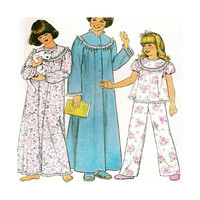 Vintage Sewing Pattern 1977 Girls Nightgown Robe Pajamas Simplicity 8127 Size Large Uncut
