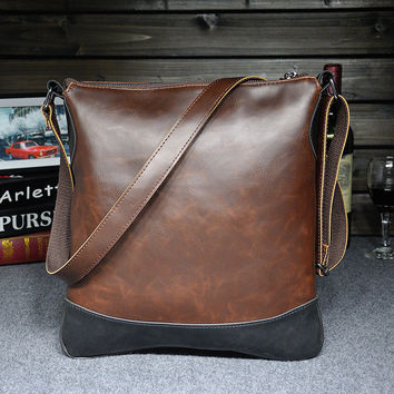 Casual Vintage Mens Leather Outdoor Crossbody Bag