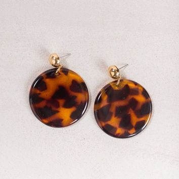 Vera Tortoise Round Earrings