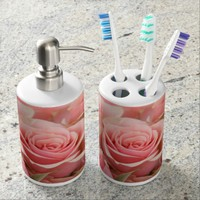 Floral, pretty pink roses. bathroom set