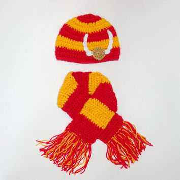 Harry Potter Hat with Scarf Gryffindor,  Beanie Newborn Child Teen  Adult - Halloween / Cosplay / Baby Shower Gift