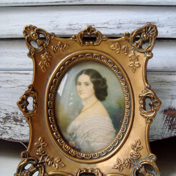 Vintage Cameo Creation Portrait of Comtesse Louisa Cercle, Elegant Ornate Wall Hanging, French Cottage Decor