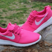 """NIKE"" Trending Fashion casual sports shoes Roses"
