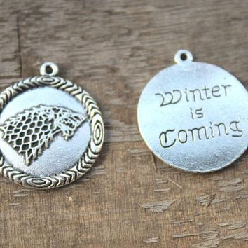 5pcs-  wolf Charms, Antique silver Game of throne Stark house sigil charm pendants 25x29mm winter is coming charm