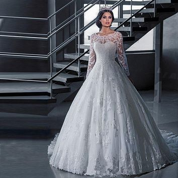 2017 Luxury Vintage Long Sleeves Wedding Dresses Ball Gown Princess Long White Tulle Appliques Bridal Gowns Robe De Mariage J166