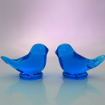 Glass Bluebird Figurines, Two Glass Birds, Bird Paperweight, Hand Blown Art Glass, Bluebird of Happiness, Clear Blue Glass, Artist Leo Ward
