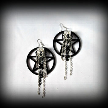 Steam punk earring,Big acrylic pentacle earring,pentacle earring,birdskull earring,raven skull,black pentacle earring,gothic earring