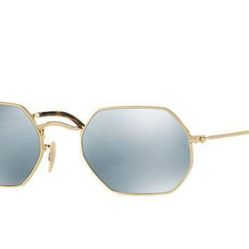 Look who's looking at this new Ray-Ban Octagonal Flat Lenses