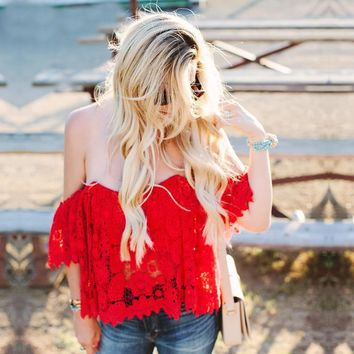 Boho Inspired 2017 summer beach wear women crop top Off the Shoulder red floral Crochet Stretchy hollow out sexy blouses shirts