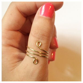 Gold Wrap Around Thumb Ring, Adjustable Wire, 18 Gauge