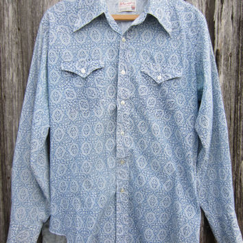 70s Wrangler Cowboy Shirt in Blue and White, Men's M-L  // Vintage Country Western Shirt