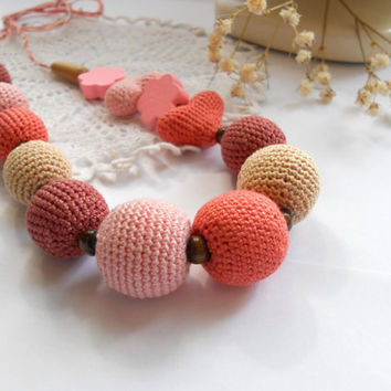 Nursing Necklace / Teething Necklace for Mom to Wear - natural beads, natural pastel, hearts, gently pink, beige - Pastel jewelry