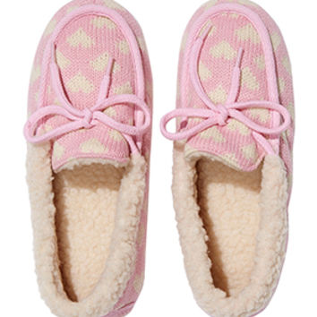 Fluffy Knit Heart Moccs