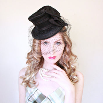1940s Hat / VINTAGE / Tilt Hat / 40s Hat / Toy / Couture / Black Straw / Veil / Ribbons / RARE
