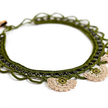 Green Crochet Lace Statement Necklace Ivory Choker Carnation Flower Ottoman Iznik Tile Doily Boho Chic Archeology History