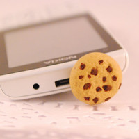 chcolate chip cookie dust plug - i phone accssories - miniature food - polymer clay food - phone charm