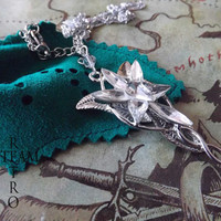 The Lord of the Rings Arwen Evenstar necklace with handmade Lothlórien pouch
