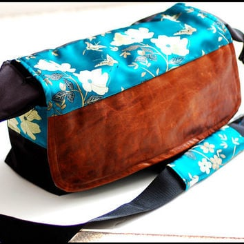 Extra Large Bag for DSLR Camera or Laptop With by sizzlestrapz