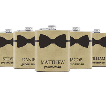 Set of 5 Personalized groomsmen flasks Groomsmen gifts Best groomsmen gift Wedding favors Party Gift Whiskey flask Flasks for groomsmen