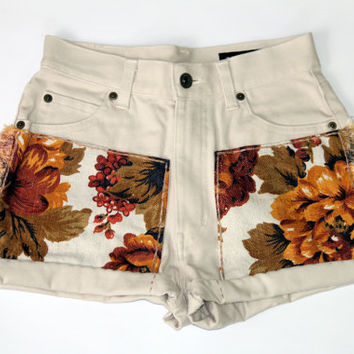 $50.00 Vintage Floral High Cut Shorts by shopABBEY on Etsy