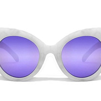 Screamin Diva White - Quay Sunglasses
