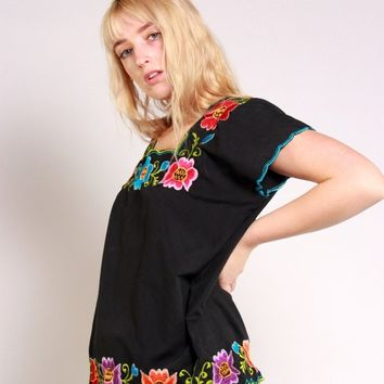 Bright Floral Embroidered Blouse / M
