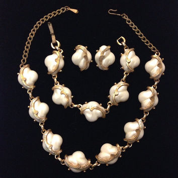 1950s Jewelry Set / Vintage Signed Judy Lee Full Parure, Faux Pearl and Gold Tone Necklace, Clip Earrings, and Bracelet