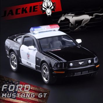 New 1:38 Ford 2006 Mustang GT Police Alloy Diecast Model Car Toy Collection As Gift For Boy Children Toys Gifts Free Shipping