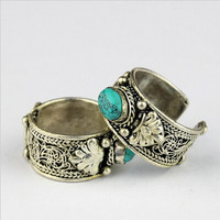 Oriental nepal indian handmade tibetan miao antique silver turquoise stone vintage wide open ring unisex amulet ethnic bohemian gypsy boho