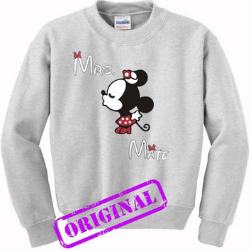 3 Minnie Kissing Mickey + Mrs + Mate for women for sweater ash, sweatshirt ash unisex adult
