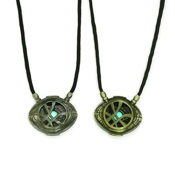 Superhero Movie The Avengers 3 Dr. Strange Eye Of Agamotto Badge Necklace Cosplay Costumes Noctilucence  Props