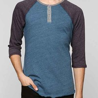 ALTERNATIVE 3/4-Sleeve Two-Tone Henley Tee-