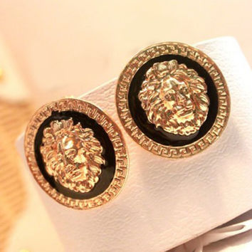 Pair Of Vintage Lion Head Embellished Round Design Earrings For Women