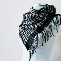 Men's plaid scarf. Men's houndstooth scarves. Soft winter scarves for men's and women's . Black white plaid scarf.