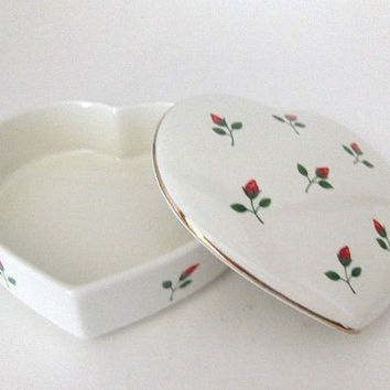 Vintage Trinket Box Collectible Porcelain Heart Shaped Trinket Jewelry Box with Red Roses and Gold Trim.