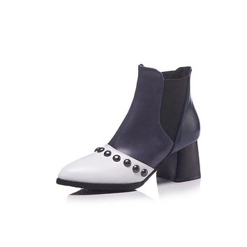 Pointed Toe Rivets Chelsea Boots Middle Heels Shoes 8328