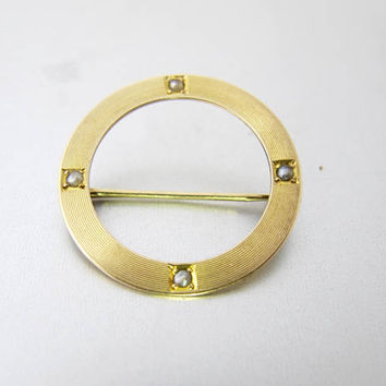 Antique Gold Circle Pin Brooch. Ribbed Etched Seed Pearl Brooch. 10K Yellow Gold Pin. Victorian Gold Jewelry