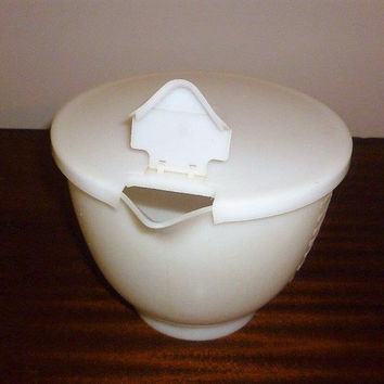 Vintage 1970s Tupperware 8 Cup Measuring Cup with Lid and Pour Spout / Mix n Store Measuring Jug / Retro Kitchen