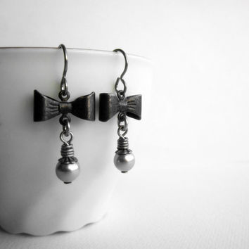 Black Bow Earrings - Niobium Hooks - Grey Pearls