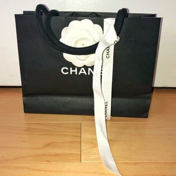CHANEL - Shopping Bag & Ribbon