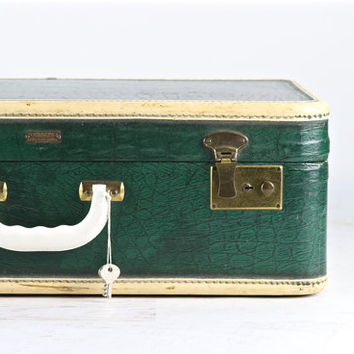 Best Old Suitcase Products on Wanelo