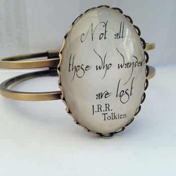 Lord of the Rings - Not All Those Who Wander bangle in Elvish writing