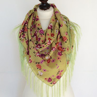 Floral Tassel Scarf, Square Wrap Scarf, Green Cotton Scarf, Boho Spring Shawl, Traditional Turkish Scarf, Printed Scarf, Tassel Shawl, Gift