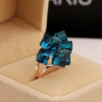 Ladies Fashion Blue Engagement Rings For Women Luxury Vintage Cristales Ring With Stones Anneaux Pour Les Femmes