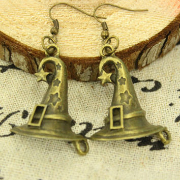 Sorting Witch Hat earrings . Harry Potter Jewelry. Magic. Brass Chain. Lightning Bolt Charm. Hogwarts. Fantasy. Wizard. Spooky. Witch.