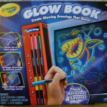 Crayola Glow Book Glowing Drawings Move Tracing Guides Markers Crafts Arts Paint