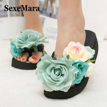 SexeMara 2017 New Summer Slippers Women Fashion Flip Flops Beach Platform Sandals Ladies Handmade Flowers Wedge Jelly Shoes S054