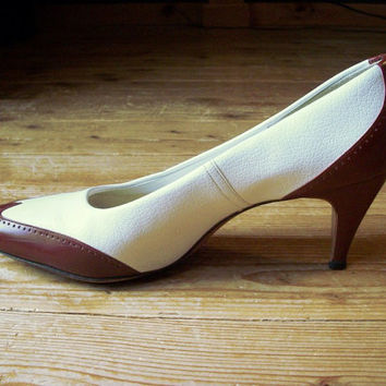 Vintage shoes - chestnut and white spectator pumps, US 7.5 narrow